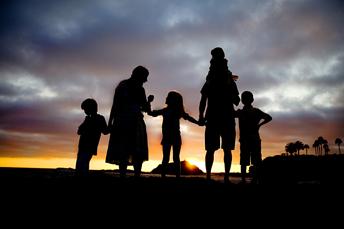 family-silhouette-picture1