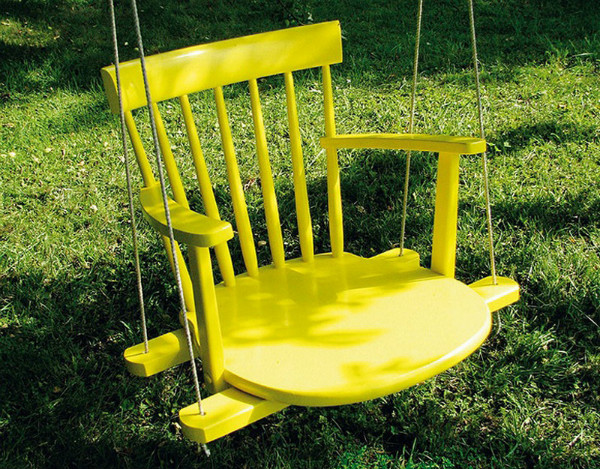 diy-kids-swing-from-an-old-rocking-chairs