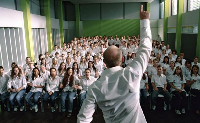 """Кадр из фильма """"Эксперимент 2: Волна"""""""
