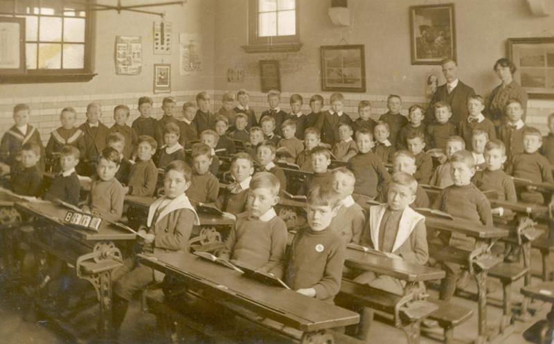 Школьная жизнь детей разных народов в прошлом