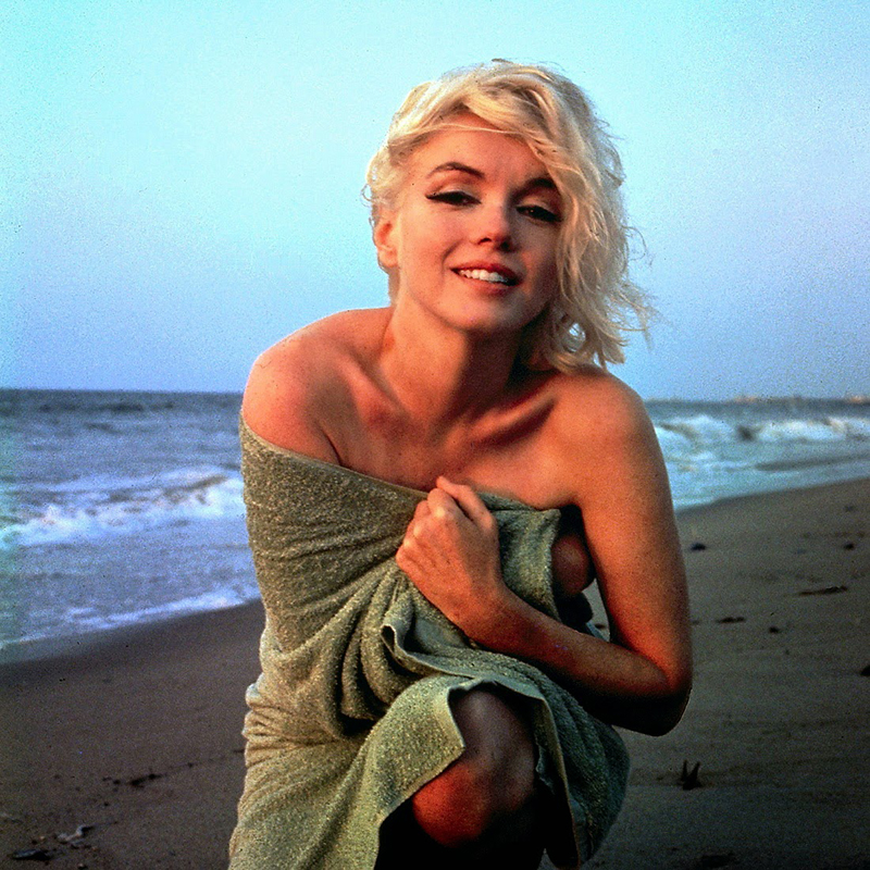Marilyn Monroe in Green Towel by George Barris (4)