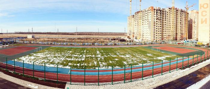 Футбольный стадион школы
