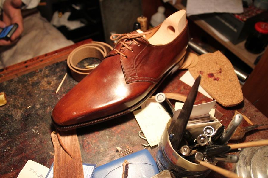 Обувь французского бренда Dimitri Gomez создается только из высококачественных натуральных материалов.