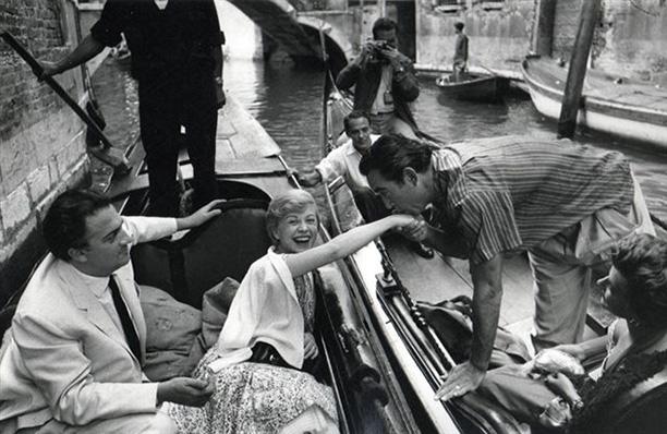 С актером Энтони Куинном в Венеции, 1955