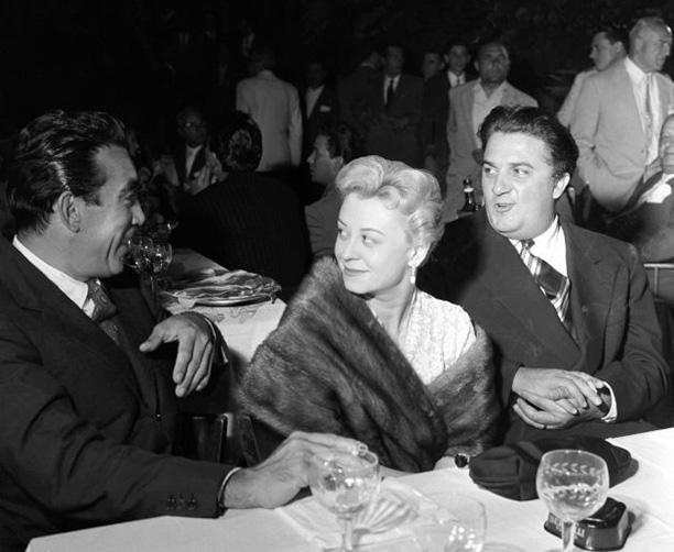 С Энтони Куинном на вручении кинопремии «Серебряная лента» в Риме, 1953