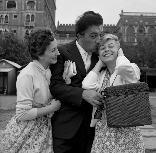 С актрисой Валентиной Кортезе в Венеции, 1955